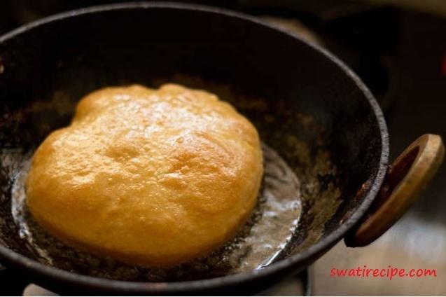 Chocolate Cake Banane Ki Recipe Dikhao: आसान और शानदार भठूरे बनाने की विधि